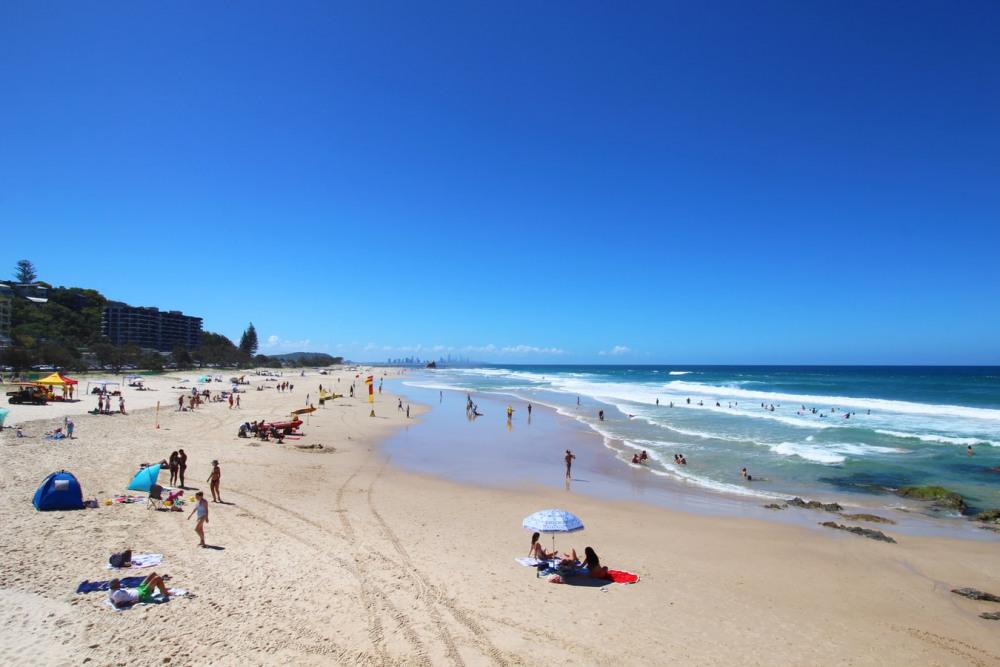 13 mins walk to Gold Coast Beach