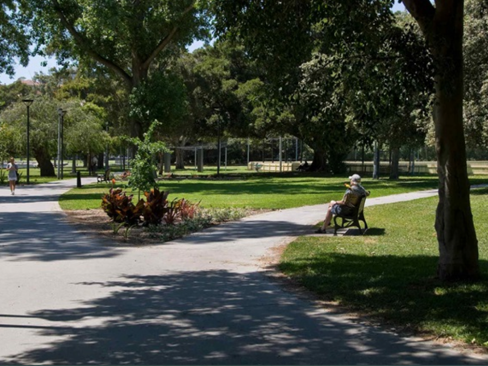 12 mins walk to Rushcutter Bay Park