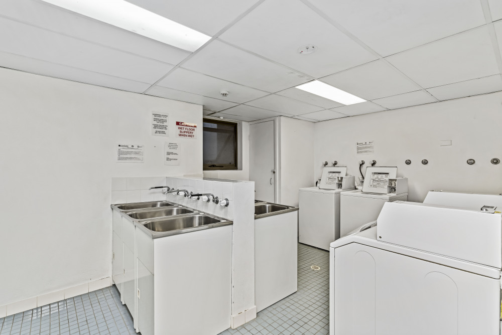 Communal Area/Laundry