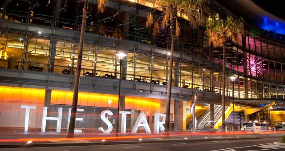 8 mins walk to The Star