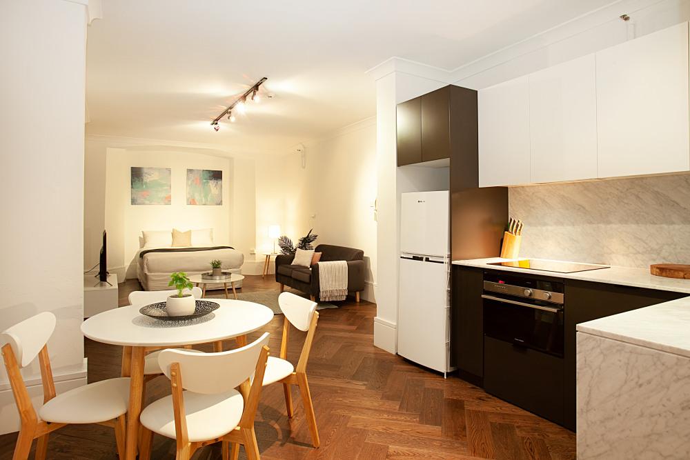 Diining Area/Kitchen