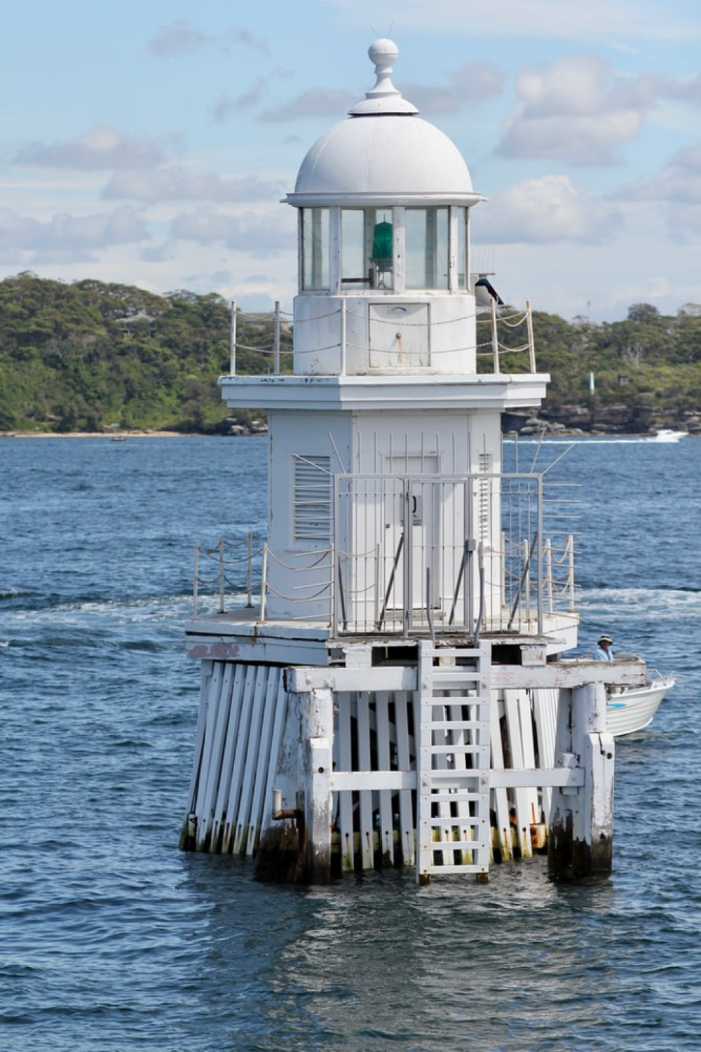 11 mins drive to Robertsons Point Lighthouse