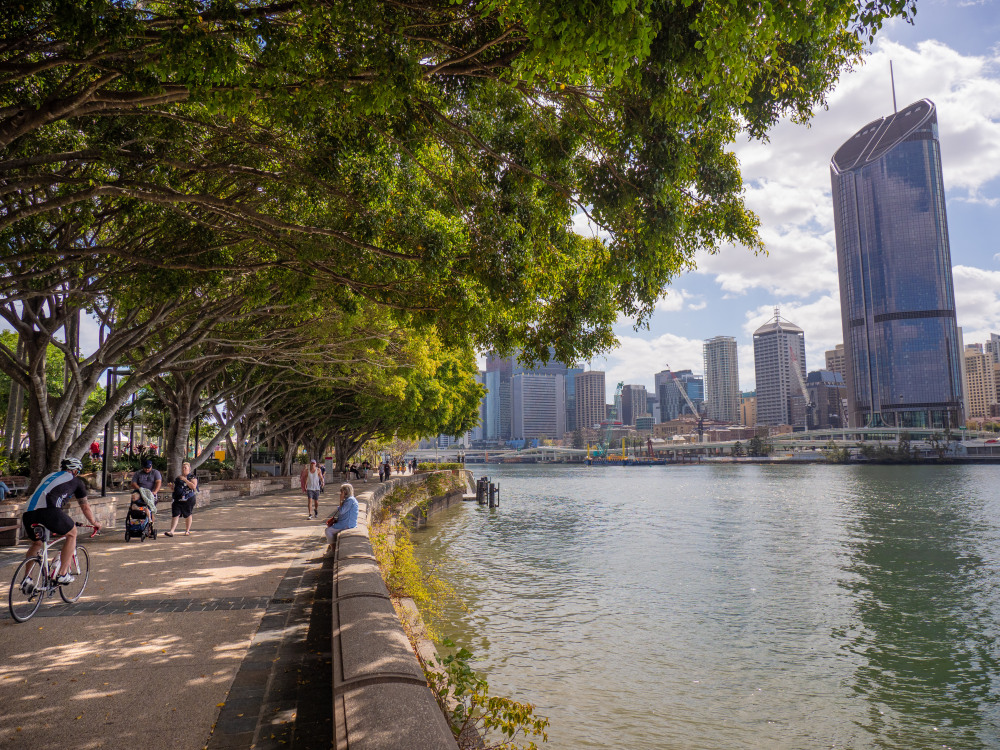 7 mins drive to Kangaroo Point Lookout
