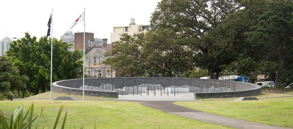 7 mins walk to Korean War Memorial