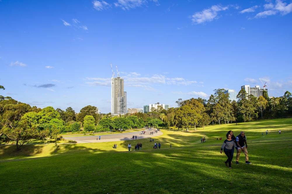 8 mins drive to Parramatta Park