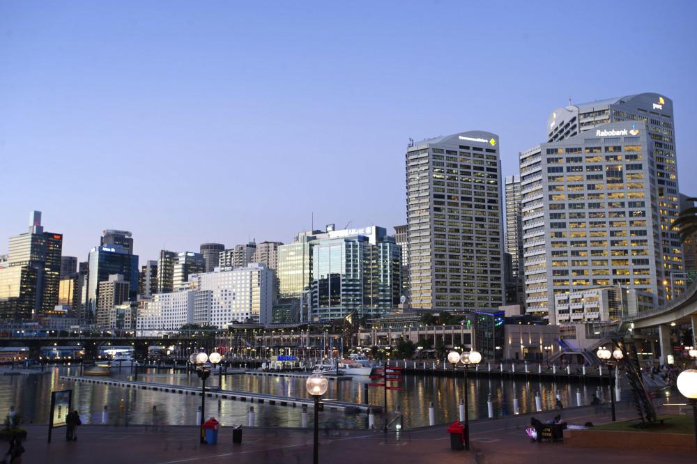 6 mins walk to Darling Harbour