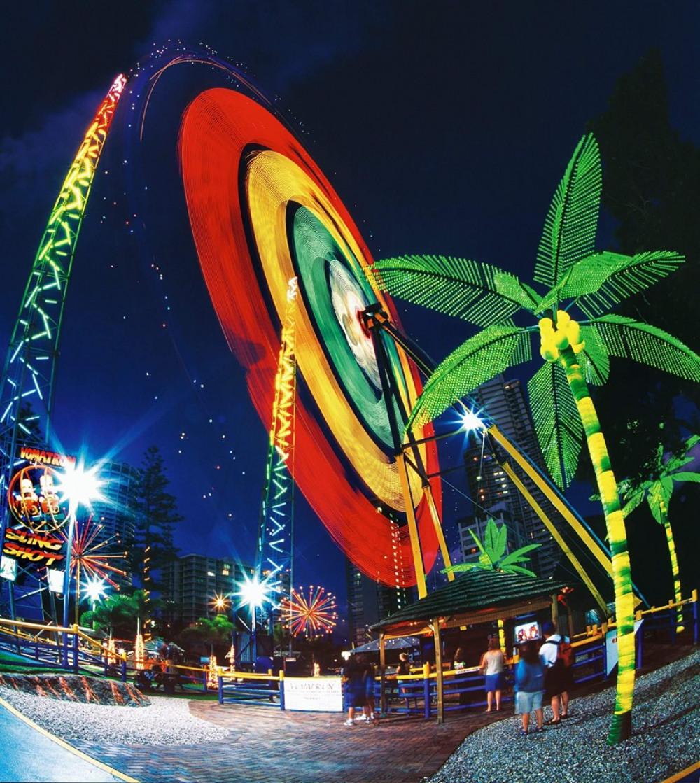3 mins walk to Slingshot Amusement Ride