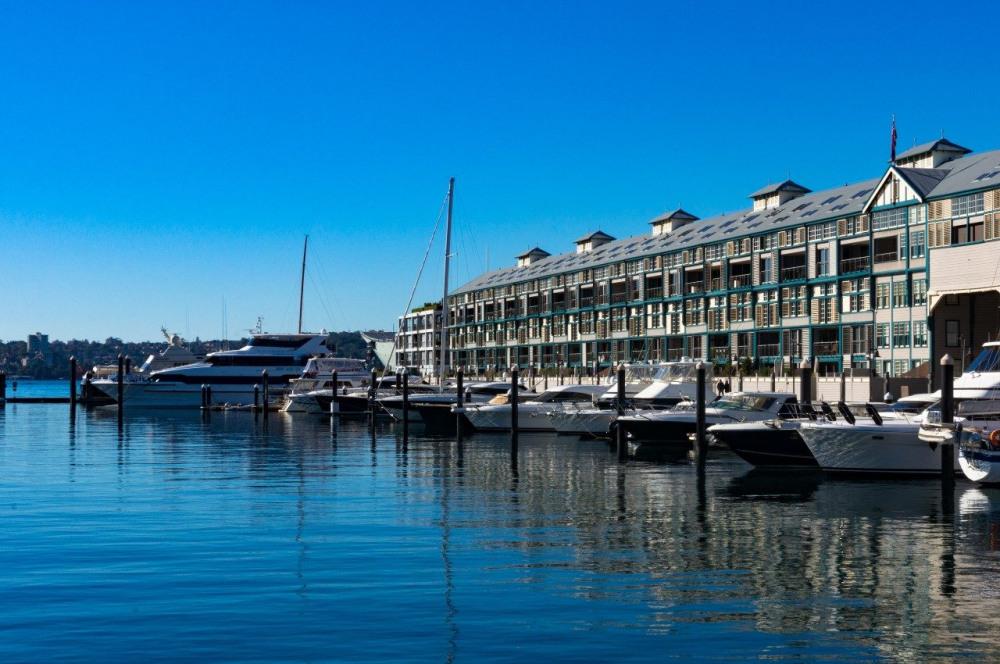 9 mins walk to Finger Wharf