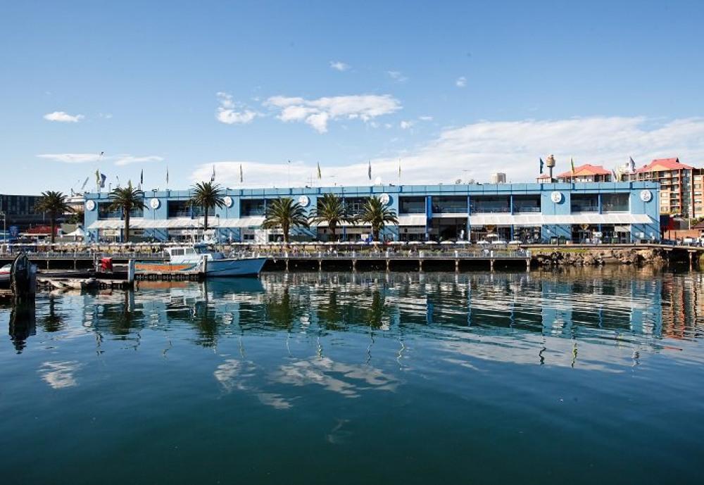 12 mins walk to Sydney Fish Market
