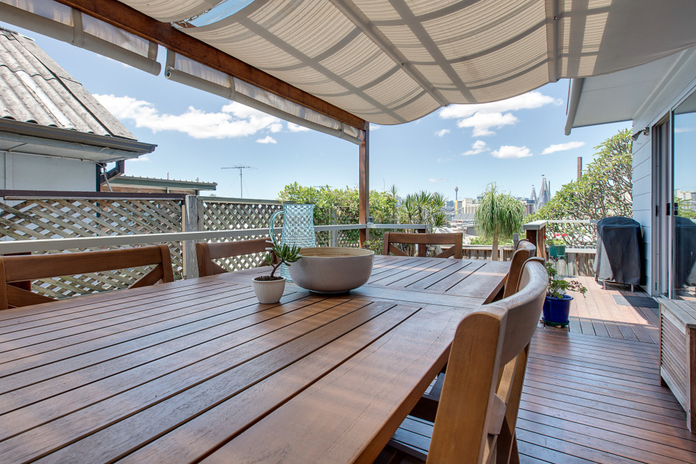 Deck/BBQ Area