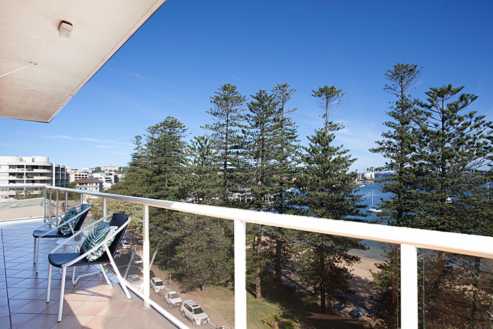Balcony/Water View