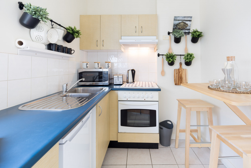 Small kitchen, provides all  you need