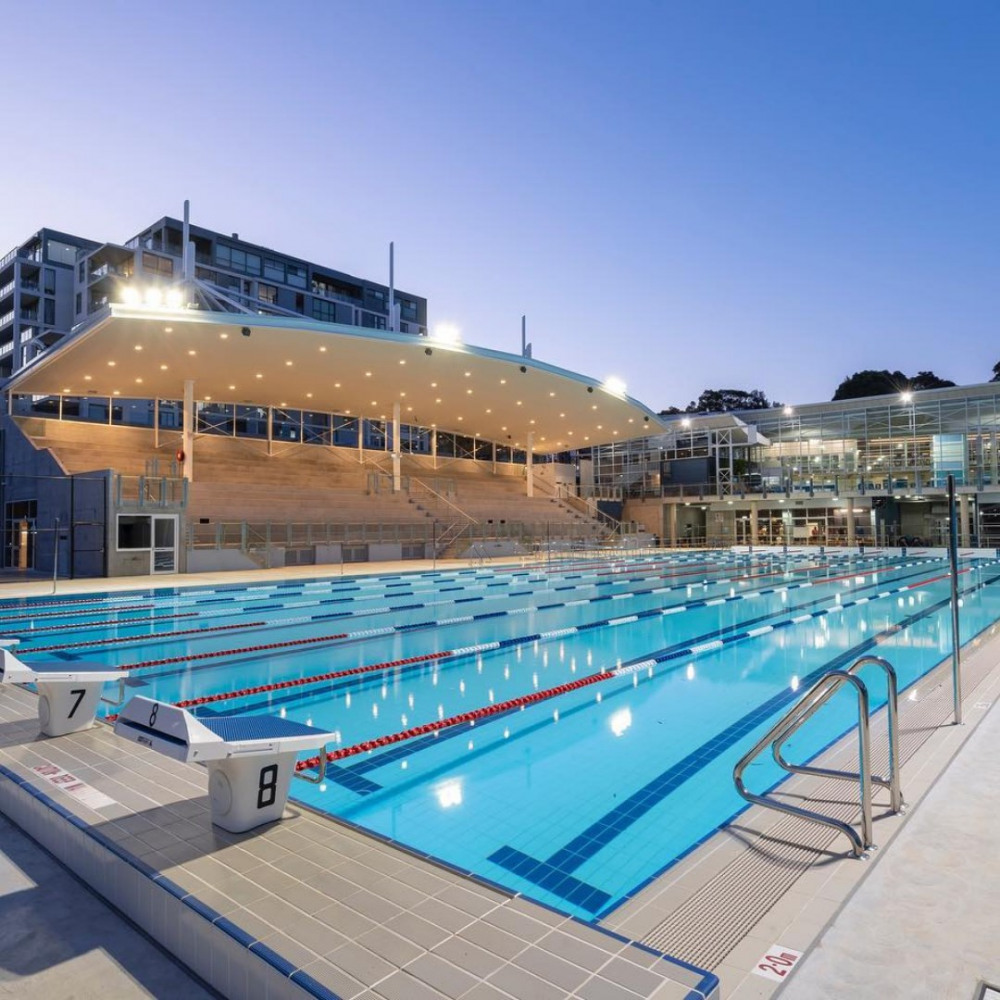 9 mins walk to Lane Cove Aquatic Leisure Centre