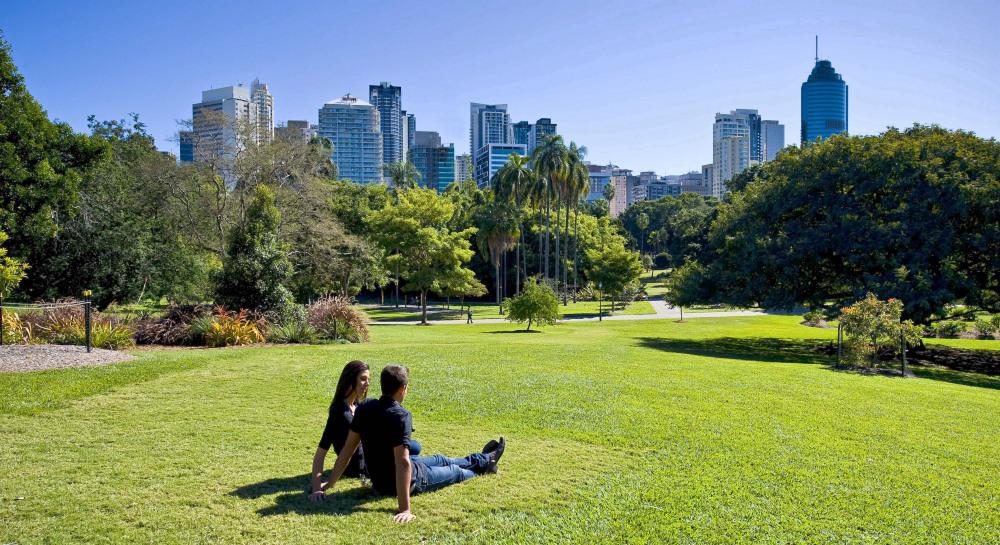 9 mins drive to Brisbane Botanical Gardens